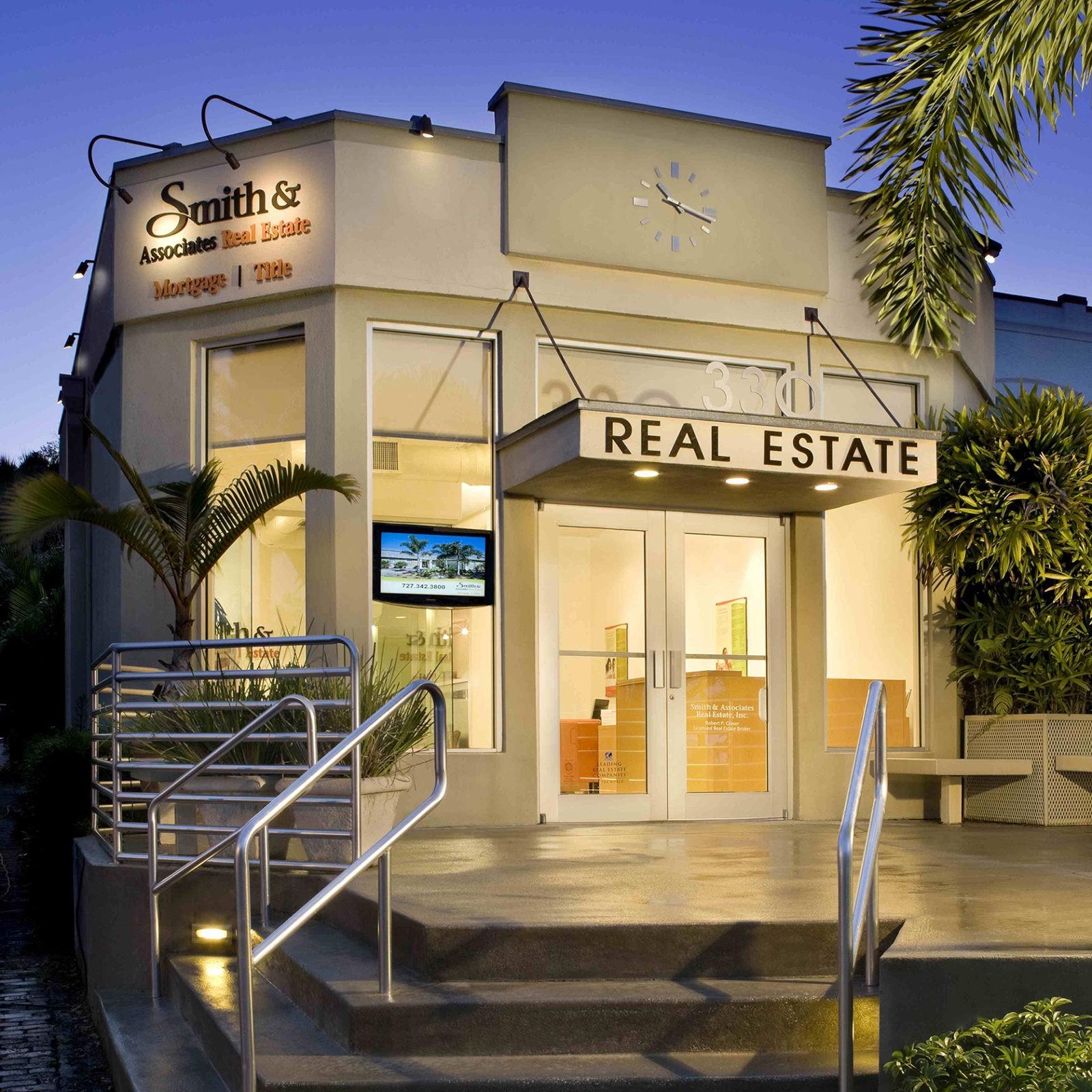 Snell Isle Apartments: Smith & Associates Real Estate